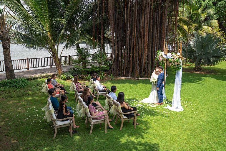saigon-river-wedding-couple-groom-bride-nature