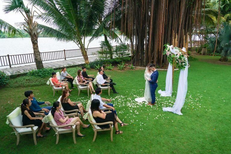 saigon-river-wedding-couple-nature