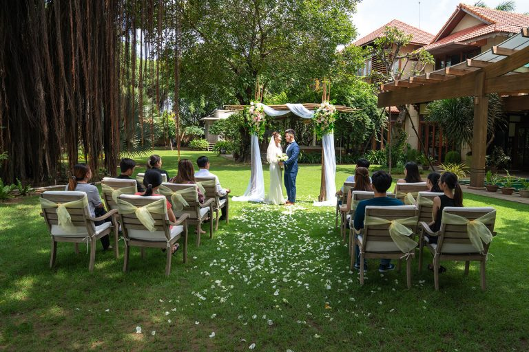 saigon-river-wedding-couple-private-nature