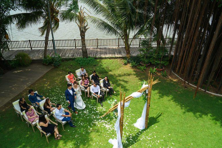 saigon-river-wedding-couple-top-riverside-nature