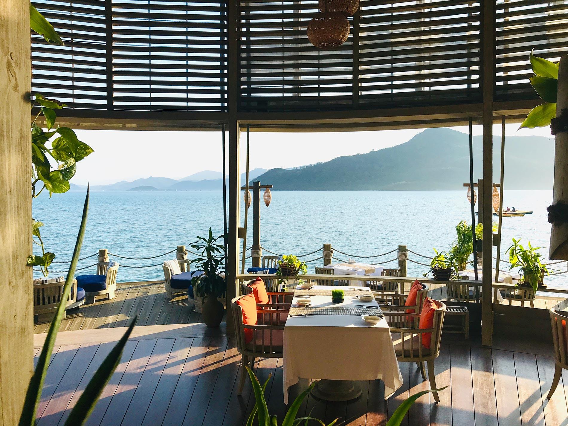 Dining – Ninh Van Bay