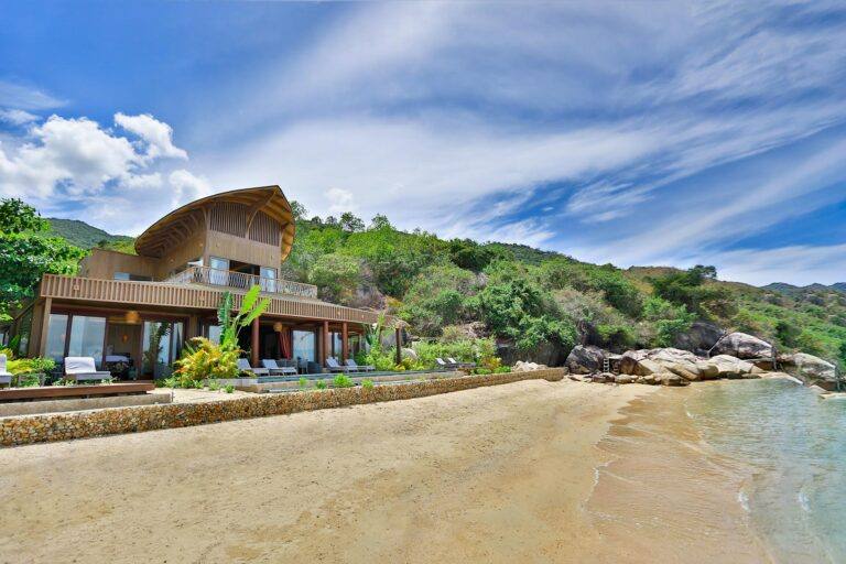 Two-Bedroom-Beachfront-Pool-Villa_Overview